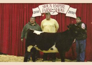 10-micahael-brual-champion-shorthorn-heifer-sioux-empire-farm-show
