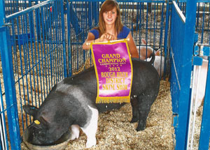12-grand-champ-com-gilt-rough-river-meade-county-lydia-richardson