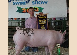 13-grand-champion-crossbred-gilt-newton-county-fair-austin-berenda