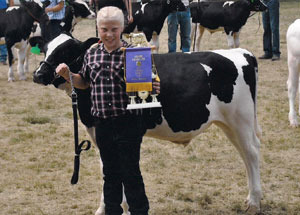 2012-grand-champion-dairy-feeder-calf-lenawee-county-fair-vernae-hillard