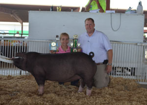 2012-grand-champion-purebred-gilt-and-grand-champion-crossbred-barrow-riley-donelson