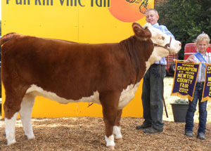 2012-supreme-champion-heifer-newton-county-fair-austin-berenda