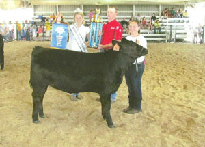 2012-supreme-champion-replacement-heifer-jackson-county-fair-sydney-sayre