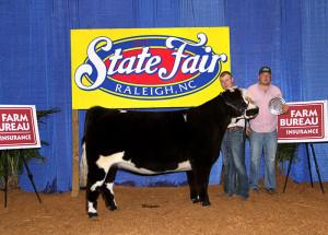 14-Grand-Champion-Commercial-heifer-North-Carolina-State-Fair-Bill-Jones