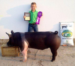 14-Grand-Champion-Overall-Heart-of-Illinois-Fair-Tanner-Catton