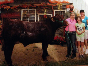 14-Grand-Champion-Steer-Saginaw-County-Fair-Emma-Strouse