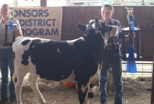 15-GrandChampionDairySteer-HaywoodCountyFair-JacobFulp
