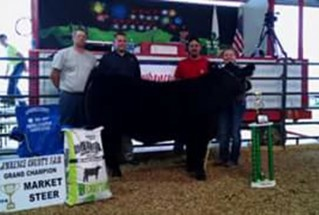 15-grandchampmarketsteer-LawrenceCountyFair-Kaylee-Cade