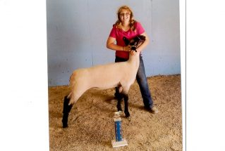 16-grandchampewe-grantcountyfair-alaynabarth