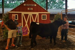 16-grandchampmarketsteer-lakecountyfair-noahhayden