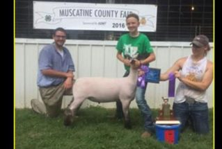 16-grandchampion-muscatinecountyfair-jaydenanderson
